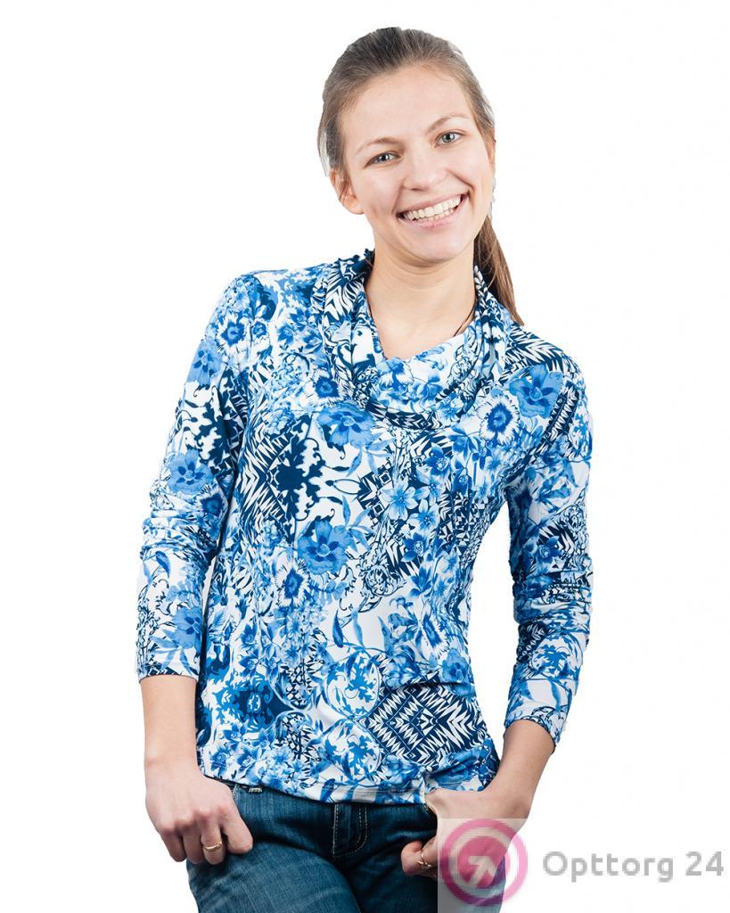 a9112092436e Джемпер женский с воротом-хомутом бело-синий с цветочным принтом ...